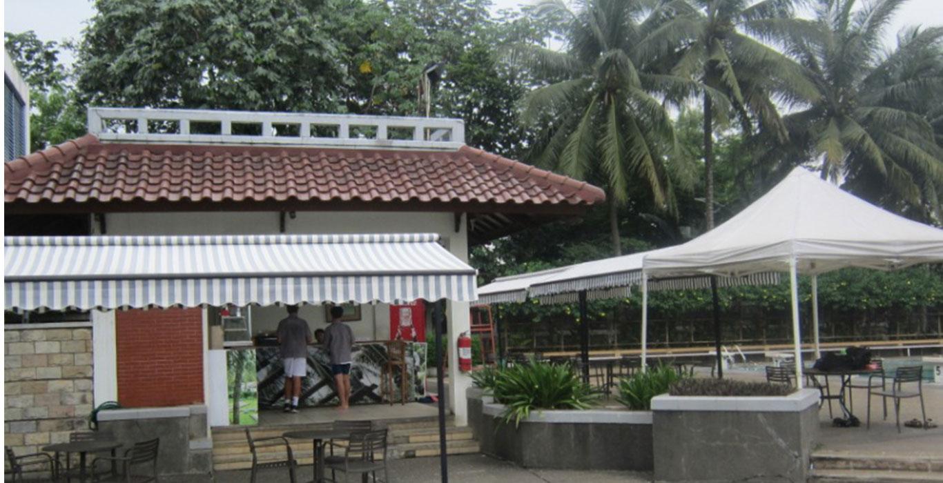 Pool Cafetaria